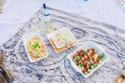 beach_glamping_lunch